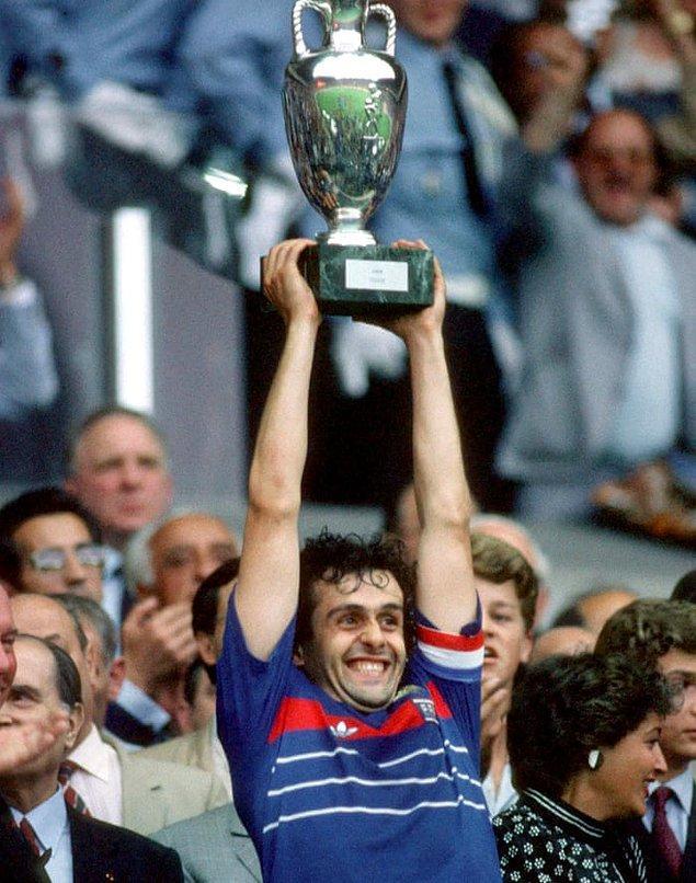 4. 1984 Avrupa Şampiyonası'nda Platini'nin Fransa'yı tabiri caizse tek başına şampiyon yapması
