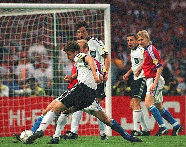 7. Almanya'dan Bierhoff'un attığı gol turnuva tarihindeki ilk ''Altın Gol''dü