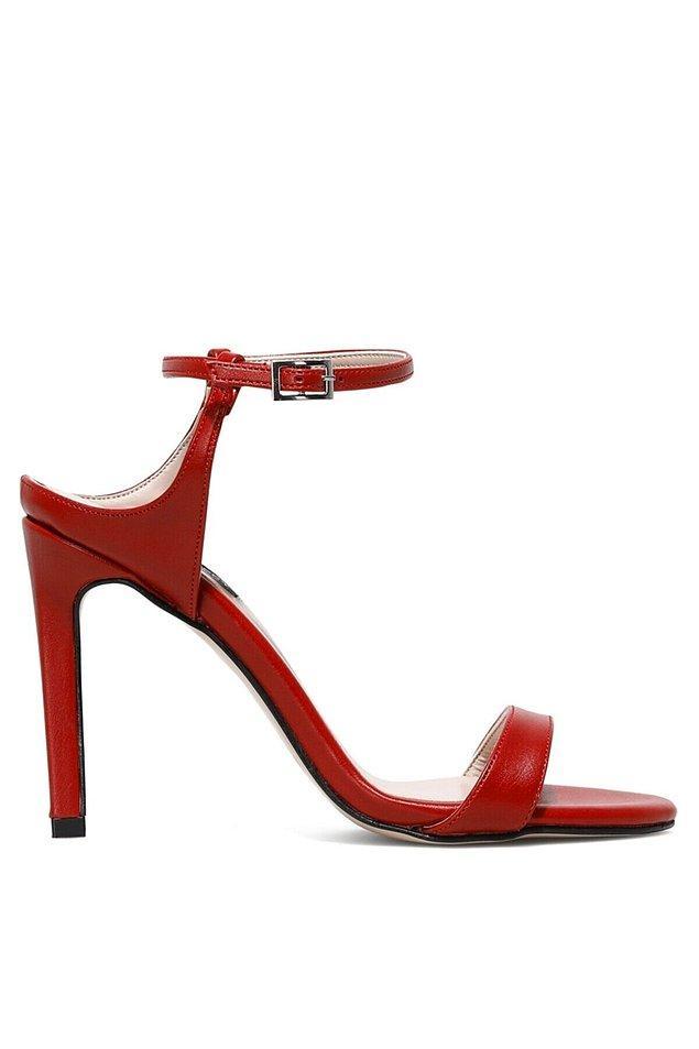 5. Asla eskimeyen tek ayakkabı modeli.