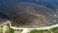 Bandırma Sahillerinin Kumu Siyaha Boyadı: 'Denize Girmek İntihar Gibi'