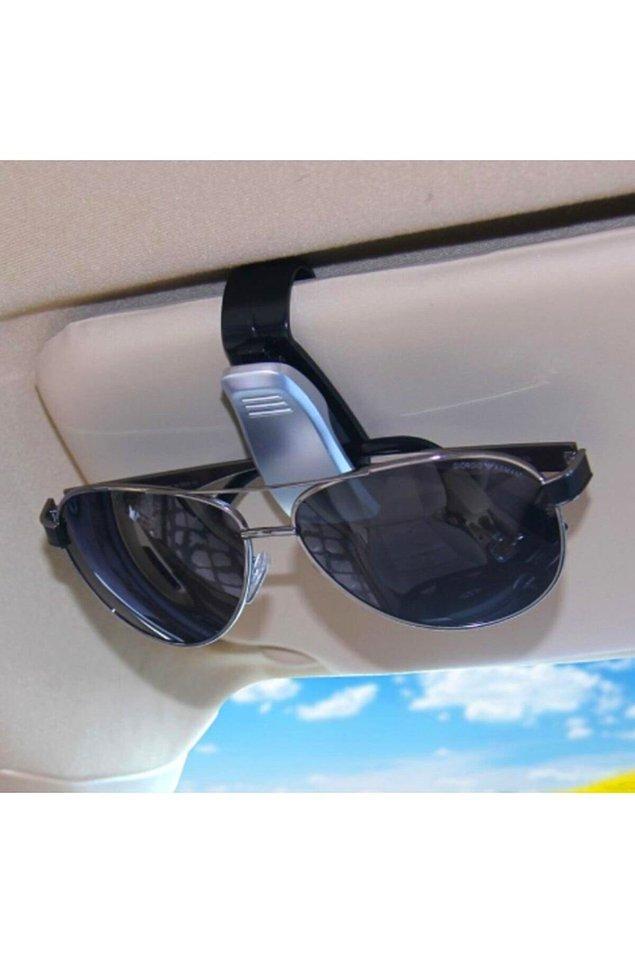 11. Arabada kullanım için kolaylık sağlayacak bir gözlük tutucu...