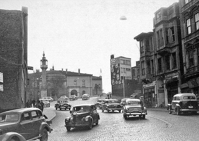 Ve İstanbul'da yasak zamanla gevşer. Hatta Cumhuriyet gazetesi 17 Nisan 1961 tarihli sayısında İstanbul'da klakson yasağına uyulmamasından şikayet eder.