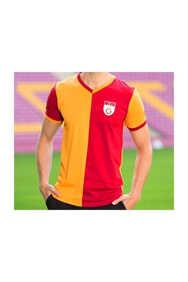 8. Galatasaray'ın Metin Oktay forması.