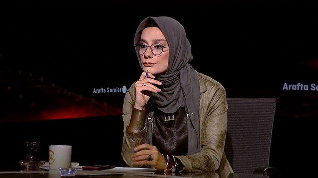 """""""Benim büyüklerime, küçüklerime saygım var. Ben devletçi bir insanım. Devletime saygım var. Allah devletime her zaman güç ve kuvvet versin. Devletimin temsil edildiği her yerde devletime saygı gösterdiğimi belirtmem bile bana göre anormal. Biz böyle büyütüldük."""""""