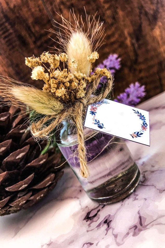 11. Misafirlerine küçük hediyeler verebilirsin...