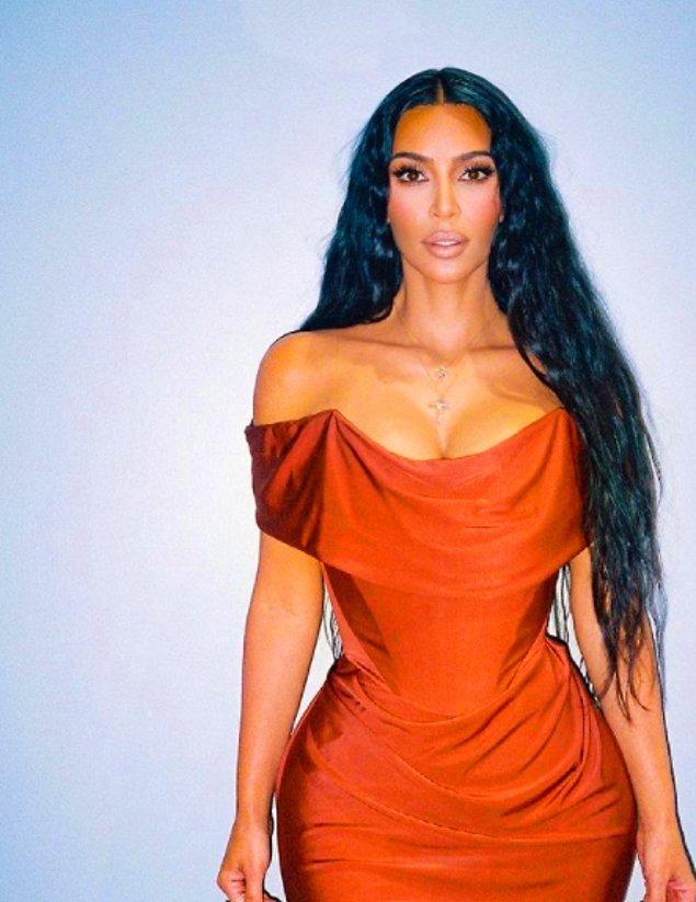 Son dönemlerde Kanye West ile boşanmaları ardından Kanye'nin Irina Shayk ile birlikte olması derken Kardashian'ın gündemi epey yoğundu.