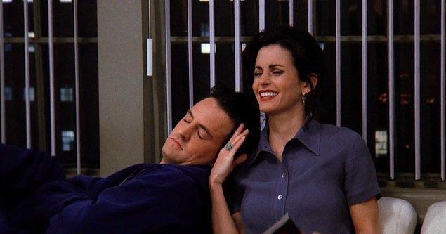 15. Monica ve Chandler - Friends