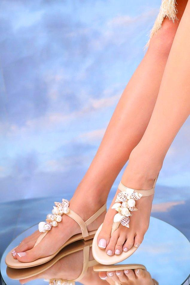 12. Sandaletler