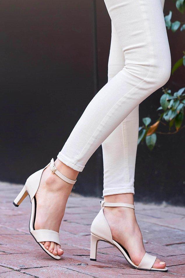 4. Her stil sahibi kadının gardırobunda olması gereken ayakkabı.