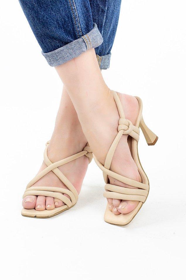 6. Bu model ayakkabıyı o havalı stil sahibi kadınlar gibi olmak için alabilirsiniz.