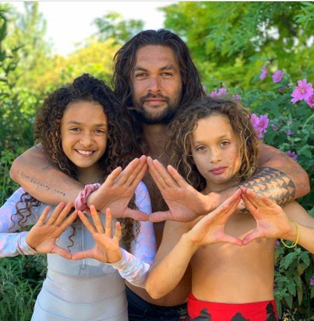 19. 'Game of Thrones' yıldızı Jason Momoa oğluna görenlerde tekrar okuma ihtiyacı yaratan etnik bir isim vermiş: Nakoa-Wolf Manakauapo Namakaeha.