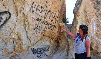 Kapadokya'da Peri Bacalarını Sprey Boyalarla Tahrip Ettiler