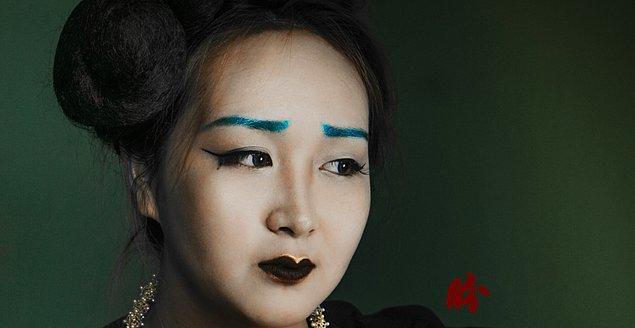 15. Geçmişte Çinli kadınlar tarafından kaşları boyamak oldukça popüler bir trend olmuştu.