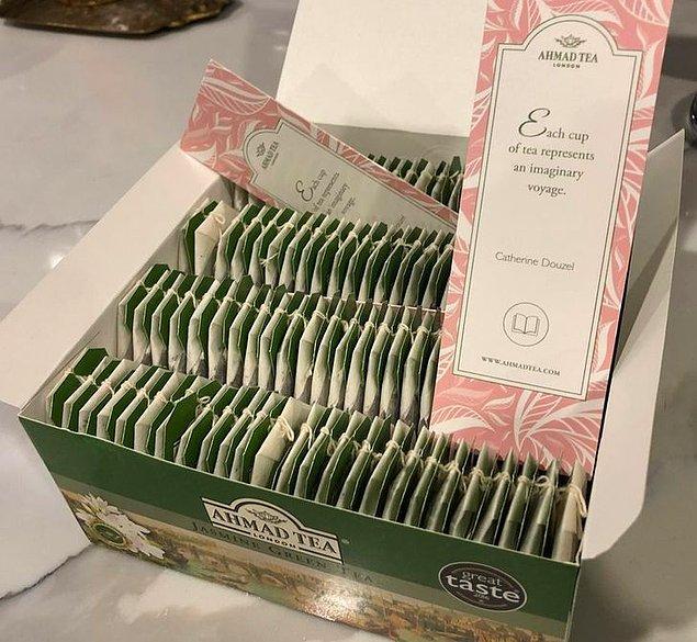 """5. """"Bu çay kutusu, kitap ayracı olarak yeniden kullanılabilecek ayıraçlar ile satılıyor."""""""
