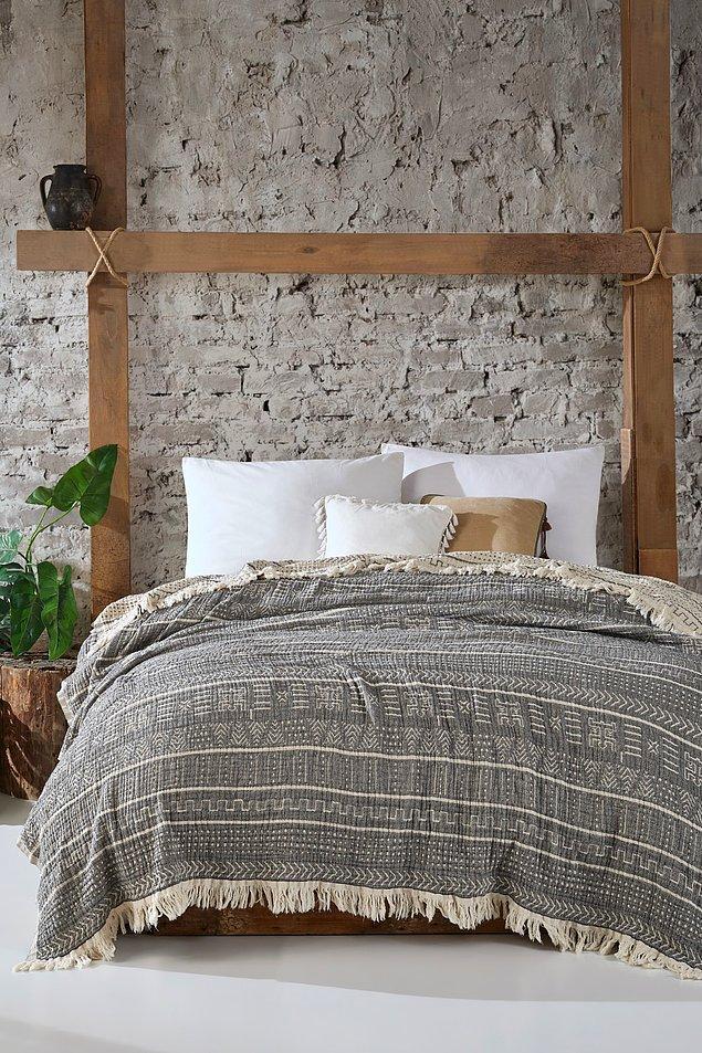 8. Desenli yatak örtüsü