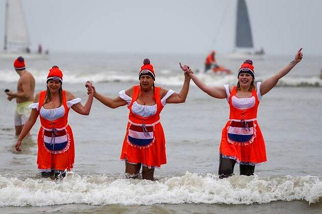 11. Hollanda (Nieuwjaarsduik)