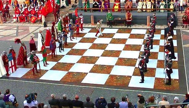 17. İtalya (Partita a Scacchi Di Marostica)