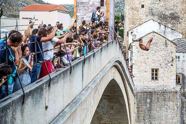 30. Bosna Hersek (Stari Most Köprü Dalışı)