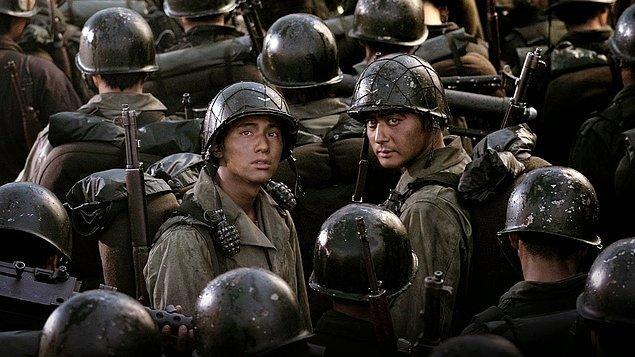 14. Taegukgi hwinalrimyeo (2004)