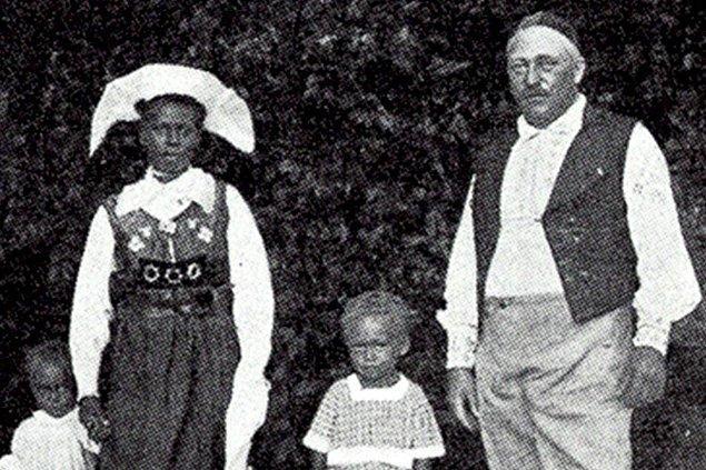 Tarlası bakımsızlıktan iş görmez hale gelen Pettersson iflasın eşiğine gelmişken bir de karısı ile beraber sıtmaya yakalandı.