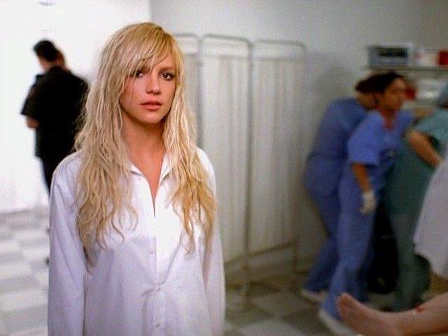 Britney ayrıca başına gelenleri 'kadın ticareti'ne benzetiyor.