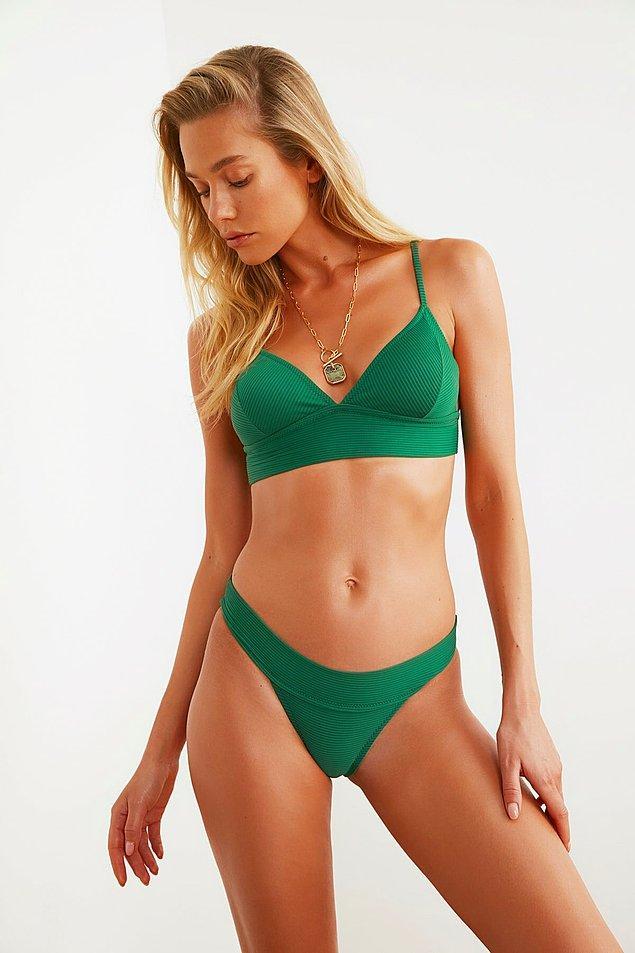 11. Yeşil bikini takım
