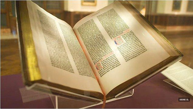 Bu sorunun cevabını inançta da arayanlar var. Matbaada basılan ilk kitap olan Gutenberg İncili B42 ya da 42 satırlık İncil olarak da biliniyor.