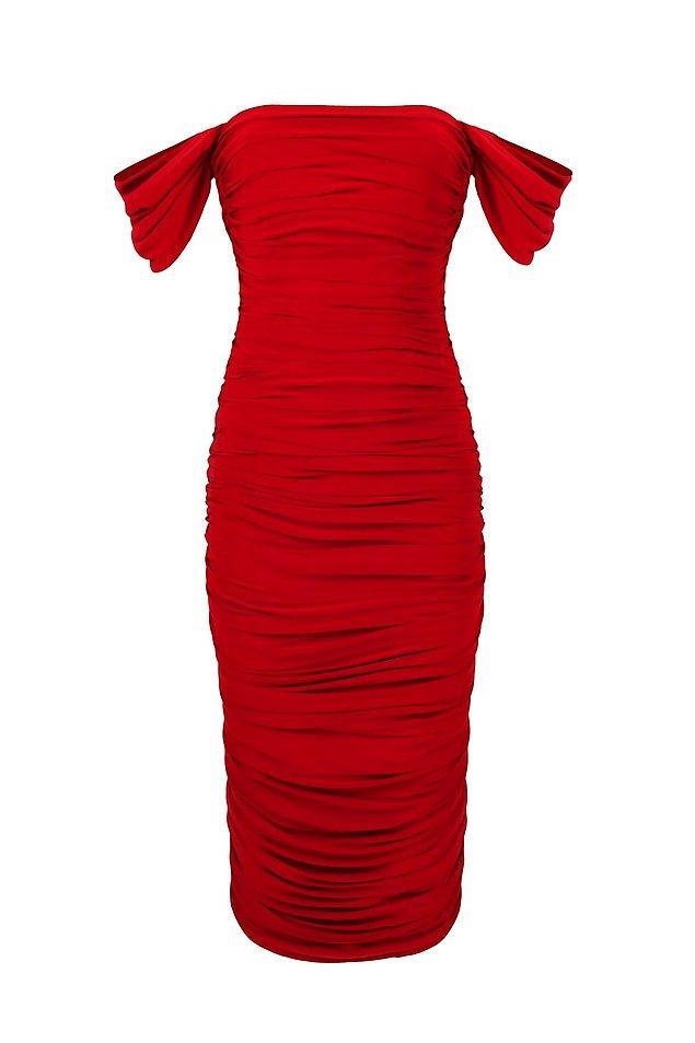 11. Düşük omuzlu kırmızı elbisesiz olur mu?