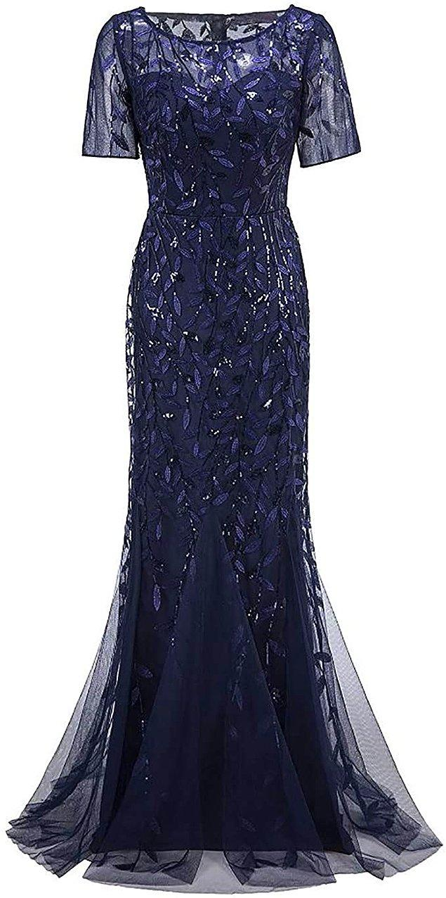 19. Yüksek bel detaylı, görünmez fermuarlı ağır oturaklı bir abiye elbise arayanlar için gelsin son önerimiz de.