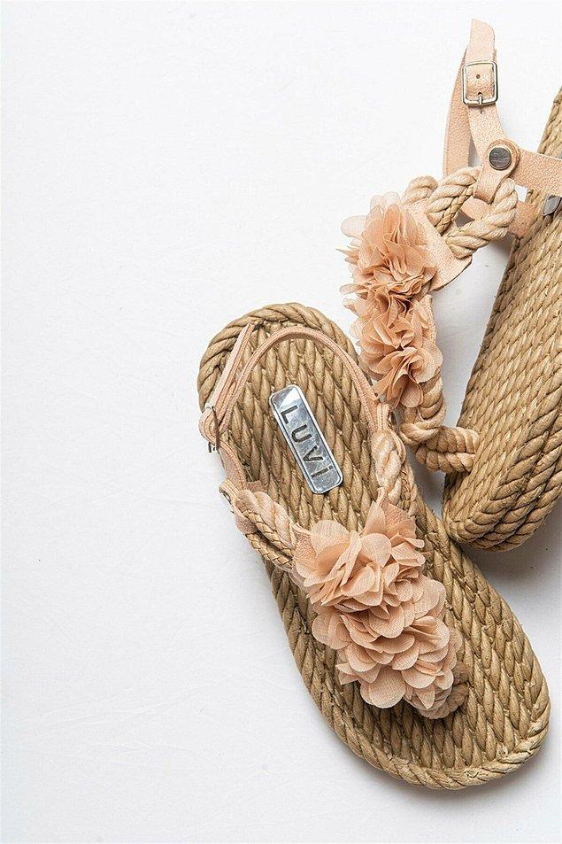9. Biraz daha farklı bir hasır sandalet istiyorsanız;