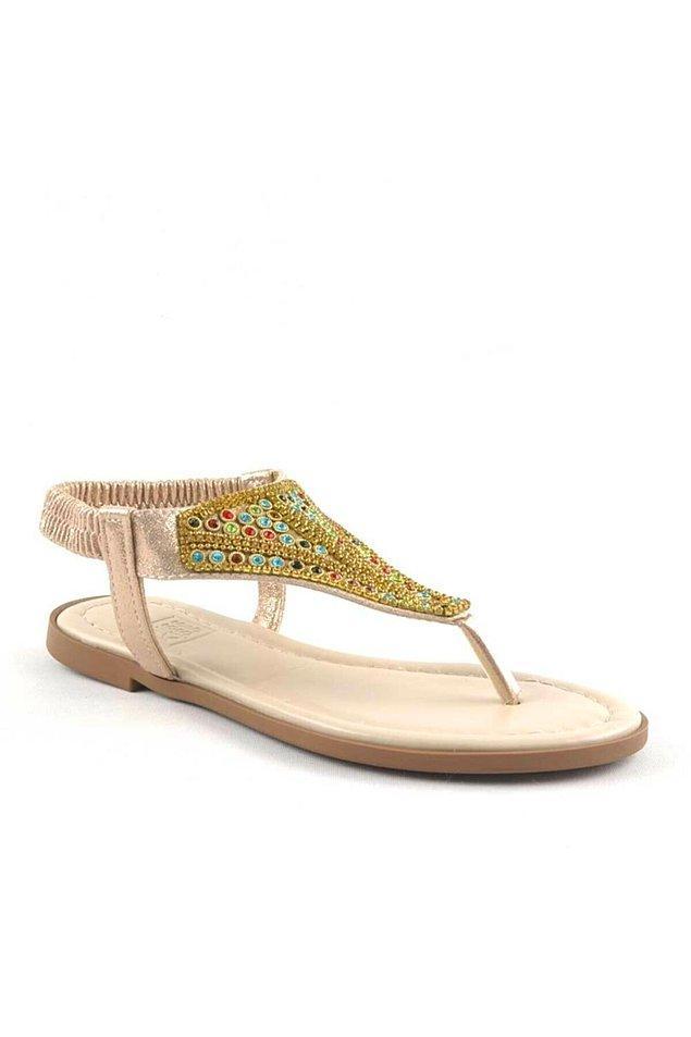 20. Bir başka taşlı sandalet;