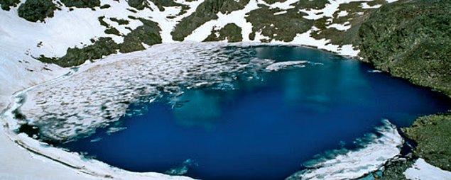 5. Buzlu Göl