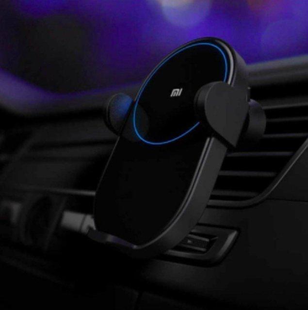 3. Araç içi telefon tutacağı kablosuz şarj cihazı!
