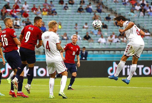 Azerbaycan'ın başkenti Bakü'deki Olimpiyat Stadı'nda oynanan çeyrek final mücadelesinde Çekya ile Danimarka karşılaştı.