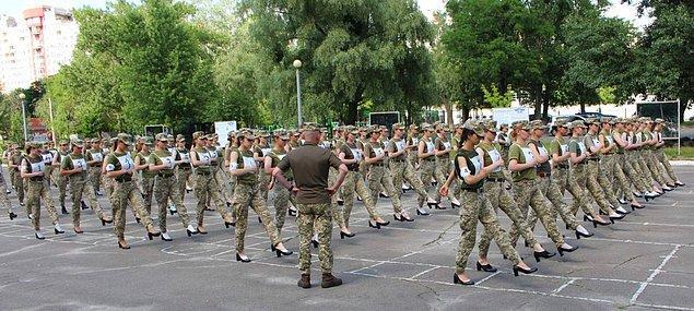 Topuklu askeri ayakkabıdan geri adım atılıp atılmadığı henüz açıklanmış değil.