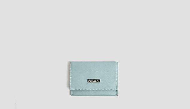5. Küçücük bir çanta isterseniz sizi bu minik mavi çanta ile tanıştıralım.