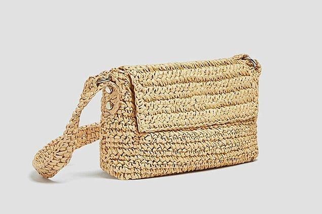 6. Hasır çantalar her kadında olmalı.