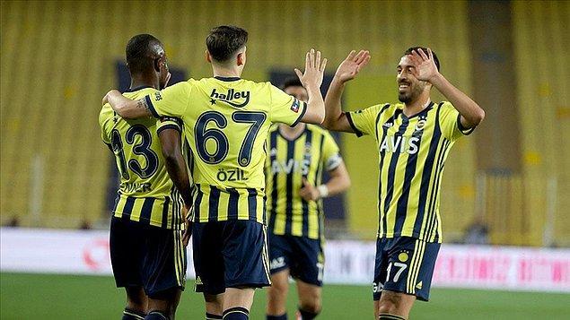 7. Fenerbahçe'de, Alex'ten sonra en çok gol atan yabancı futbolcu hangisidir?