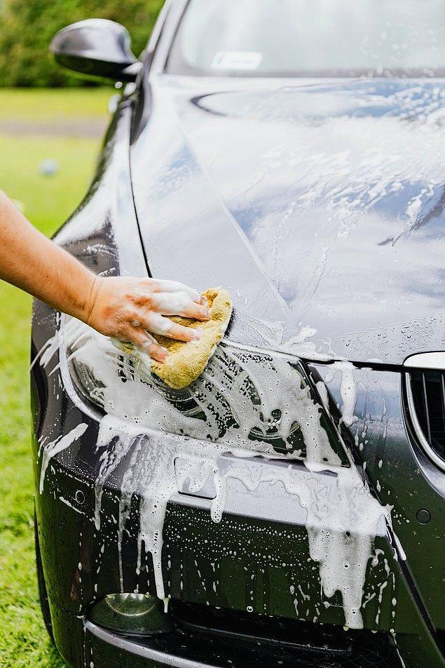 9. Eğer yıkama eldiveni, sünger veya bez yardımı ili yıkıyorsunuz sık sık onları yıkayın ve toz, kum gibi parçacıklardan arındırın.