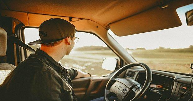 Düzen ve Güvenlik İçin Hepimizin Bilmesi Gereken 12 Trafik Kuralı