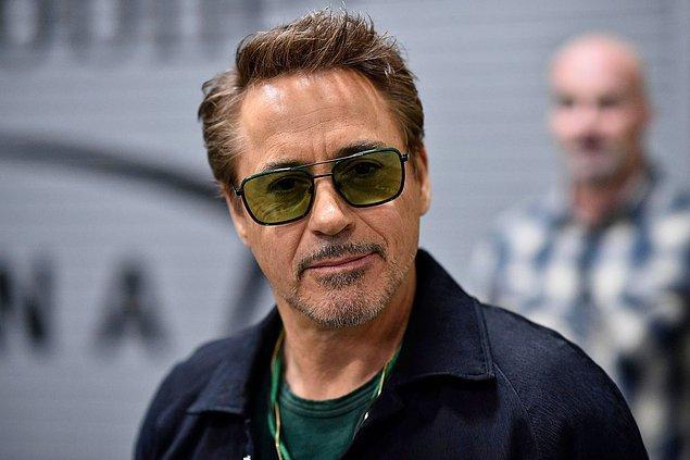 8. Rober Downey Jr.'ın profesyonel olarak müzikle ilgilendiğini biliyor muydunuz?