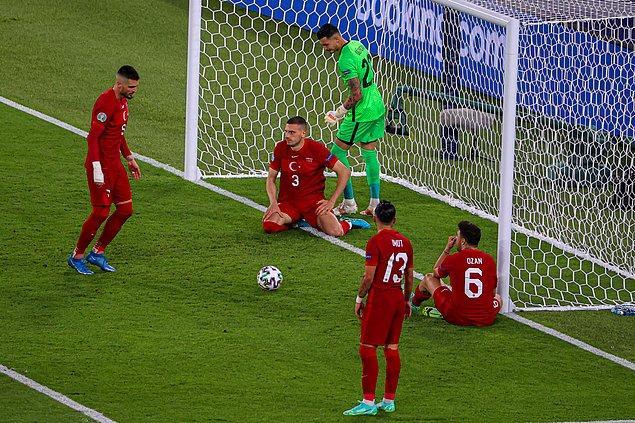 ''İtalya maçını kazanırsak önümüz açılır diye düşünüyorduk ama oyuncular alınan sonuçtan olumsuz etkilendiler. Öz güven kaybı oldu.''