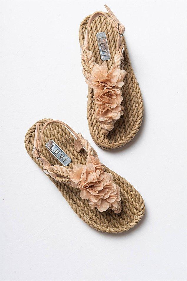 11. Yazı kıpır kıpır karşılayanlardansanız hareketli sandalet modellerine bayılacaksınız!