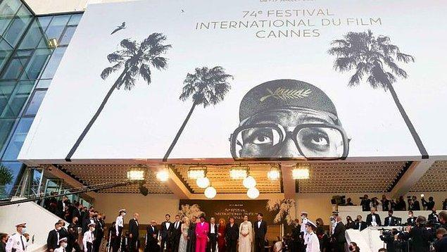 Hepinizin de bildiği üzere dünyanın en önemli film festivallerinden biri kuşkusuz Cannes Film Festivali.