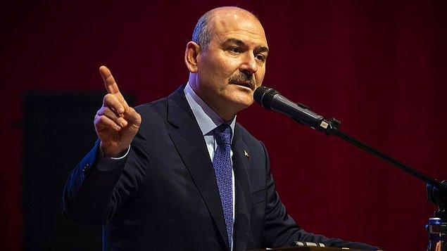 Son olarak Peker, İçişleri Bakanı Süleyman Soylu'nun 15 Temmuz 2016'daki darbe girişiminin ardından silah dağıttığını iddia etti.