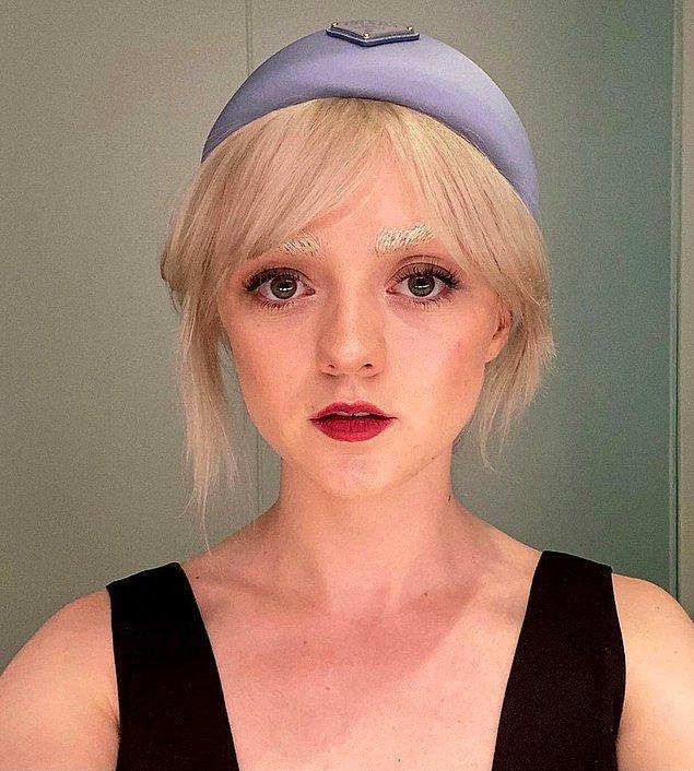 Kim olduğunu çıkarabildiniz mi? Game of Thrones dizisinde Arya'yı canlandırarak gönülleri fetheden oyuncu Maisie Williams da karantina günlerinde bu akıma katılanlardan.