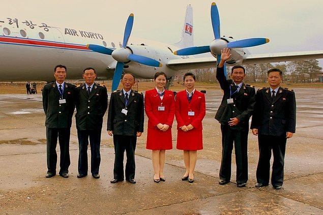 4. Kuzey Kore'ye seyahat edebilmek için özel izne tabii olmak gerekiyor. Ayrıca ülkeden dışarı çıkmak için de öyle...