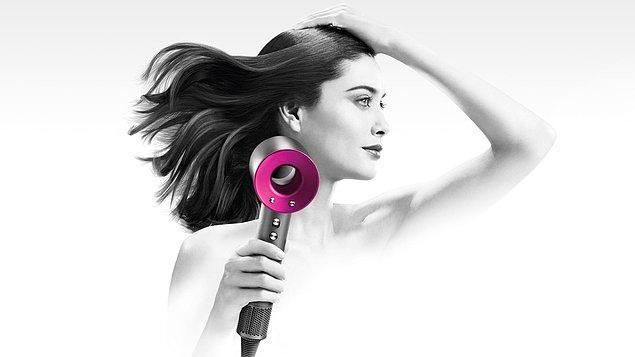 9. Saçlarınızı yıpratmadan kurutmak için Dyson saç kurutma makinesini keşfetmeniz gerekiyor.