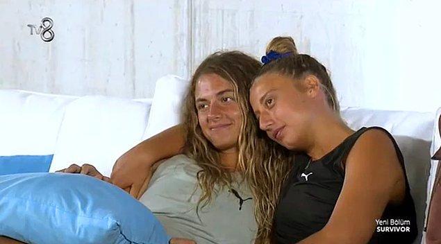 8. Aleyna Kalaycıoğlu ve Aleyna Çalışkan Survivor yarışmasında adaya alkol soktuklarını itiraf etti!