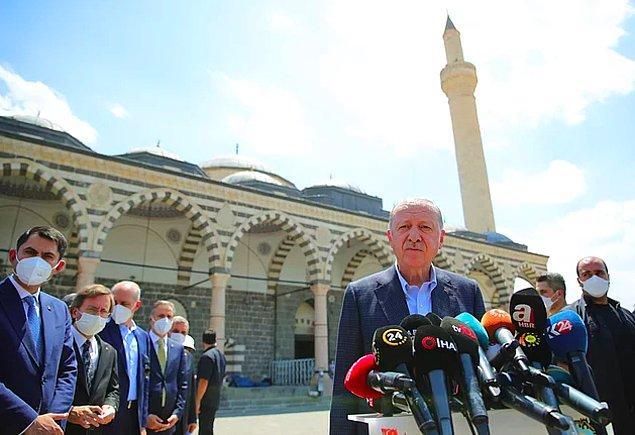 Geçtiğimiz günlerde Cumhurbaşkanı Erdoğan Diyarbakır ziyareti sırasında Uğur Şahin ve Özlem Türeci'nin Türkiye'ye geleceklerinden bahsetmişti.